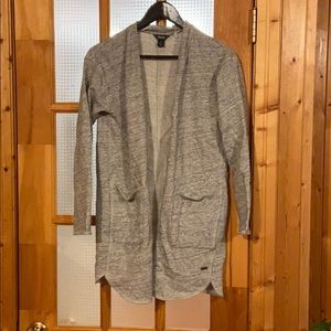 Roots cardigan, size s